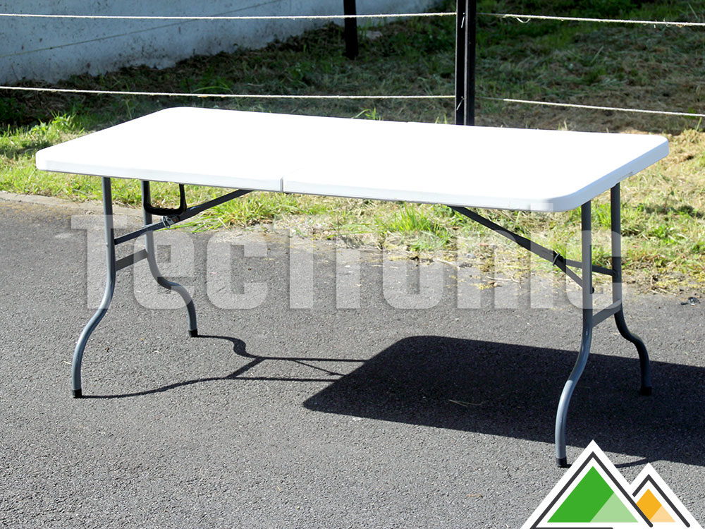 Table pliante solide pour 4 personnes for Longueur table 4 personnes